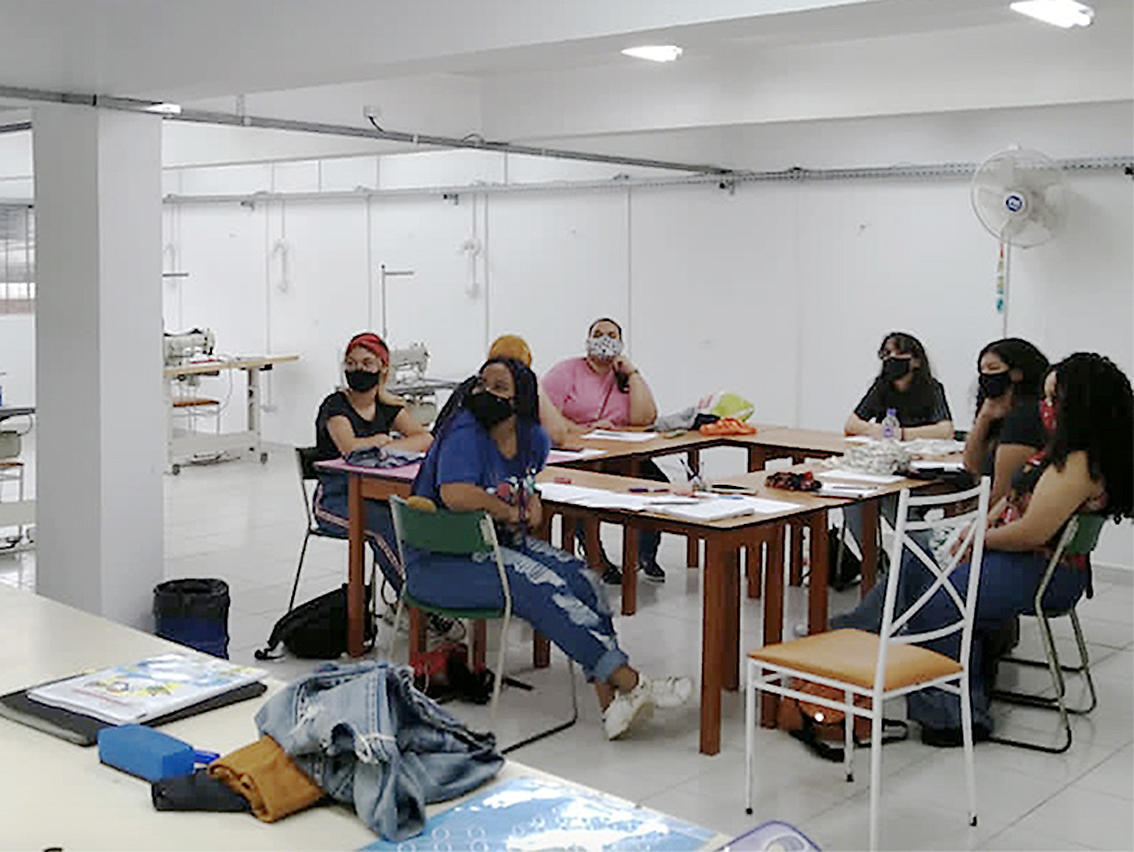 A textile course for teenagers from Sao Paulo