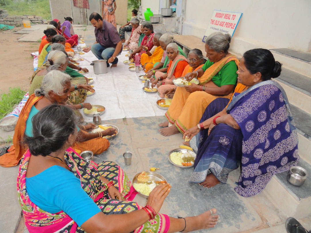Donate Food for 30 Poor Old Age People in India