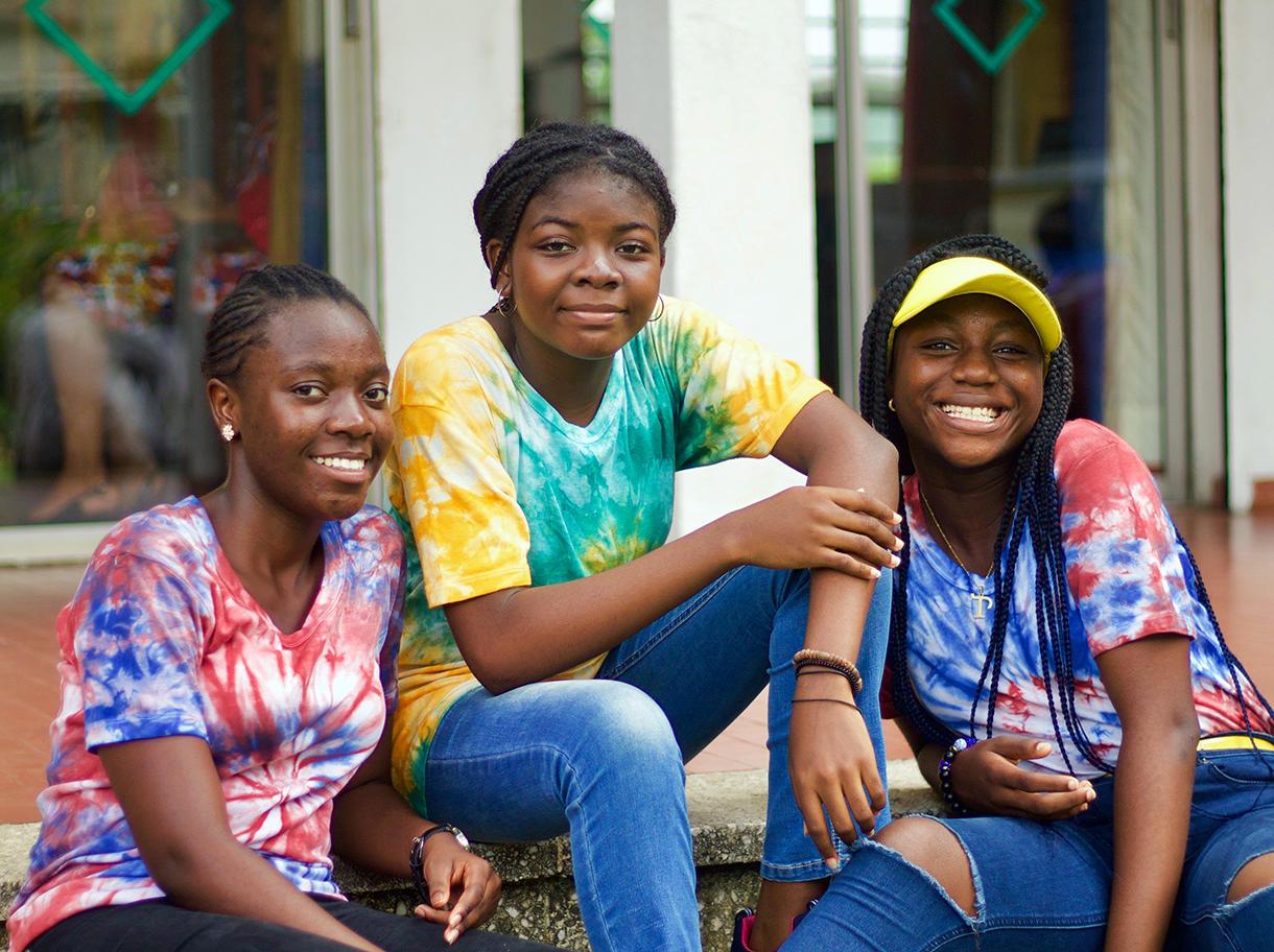 Empower 2000 women & girls through digital access