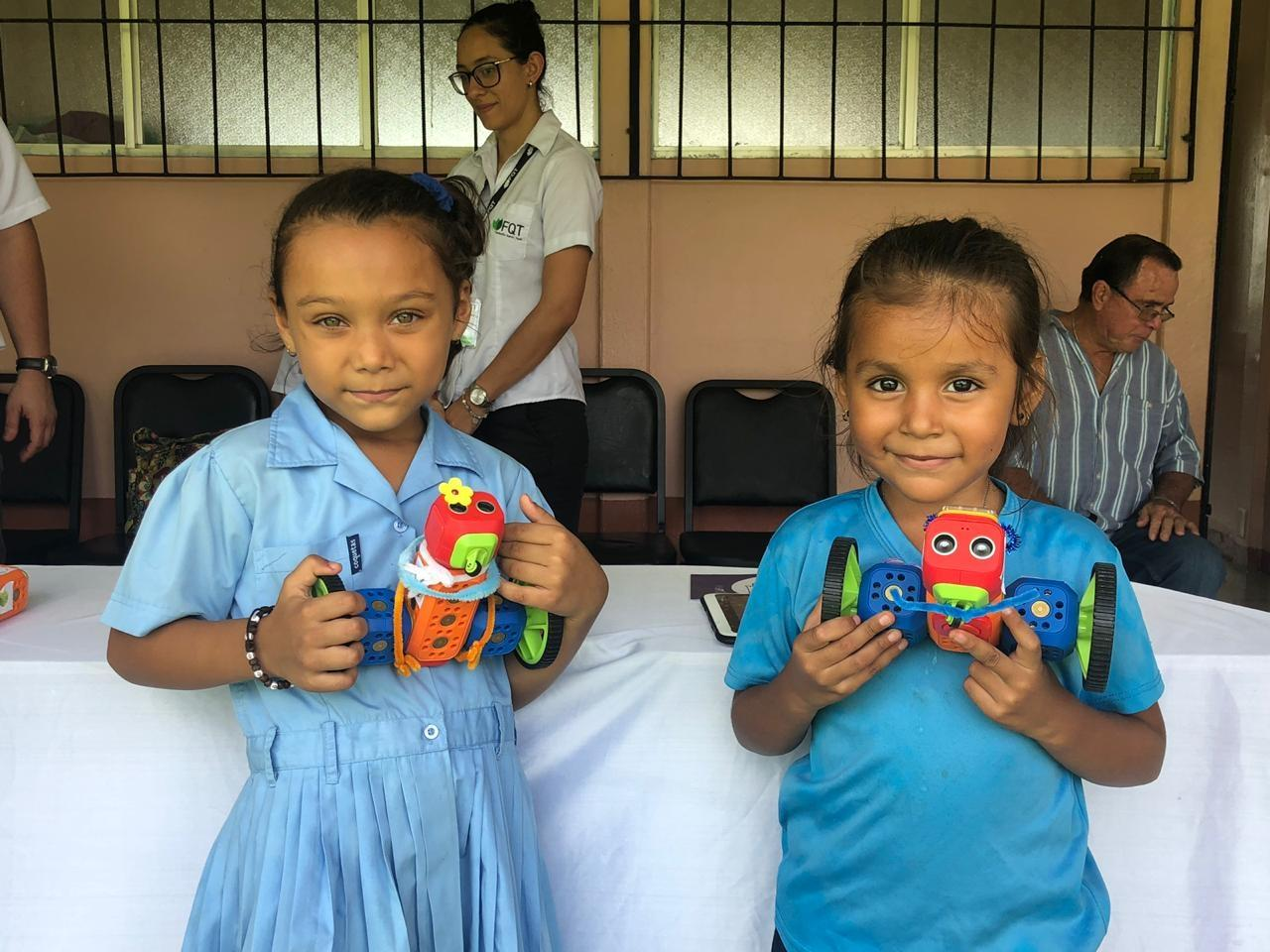 Empower Costa Rican girls in technology & robotics