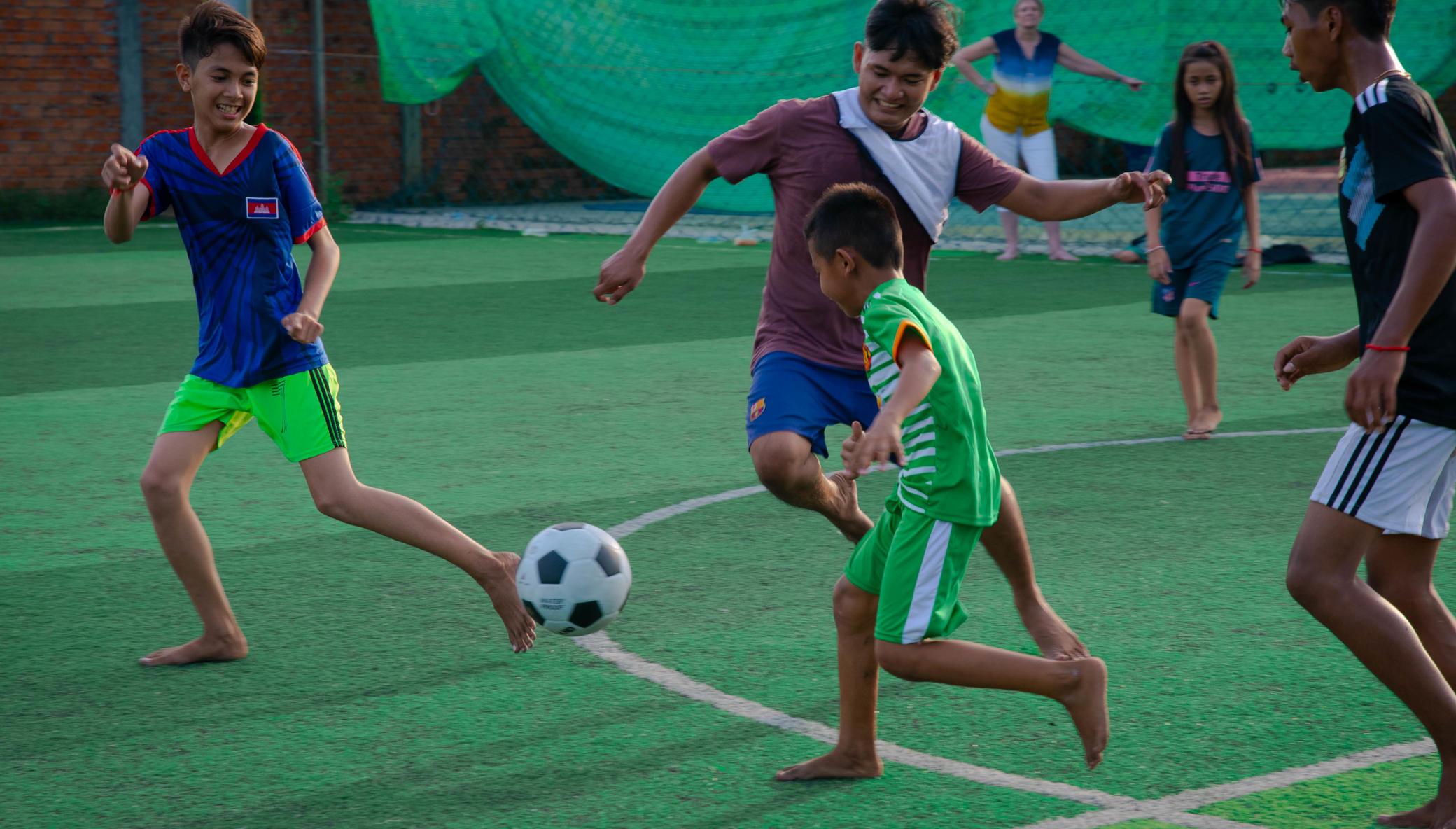 Give slum living kids a future through football