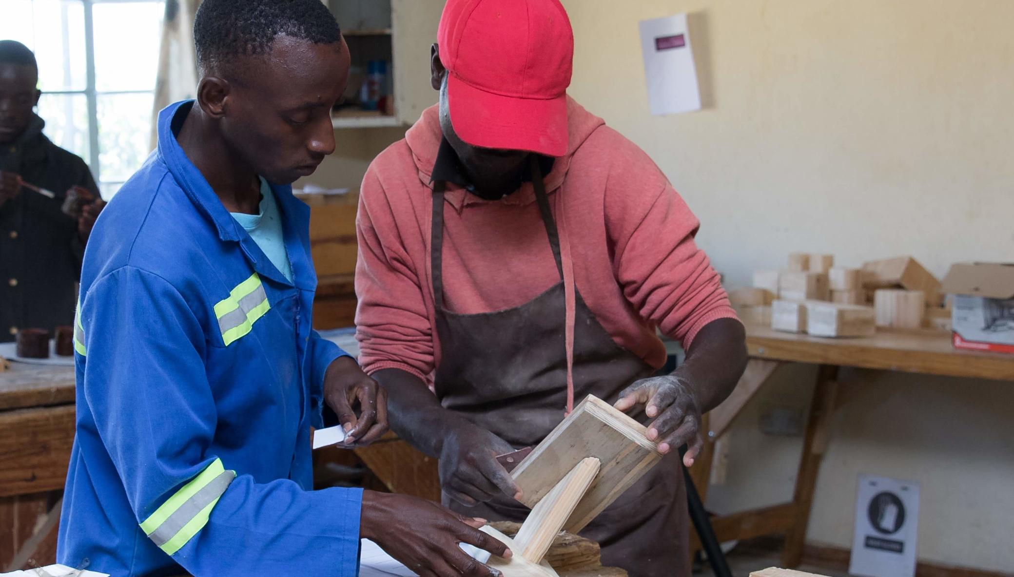 Hands On! Equip Deaf youth to work in Zimbabwe