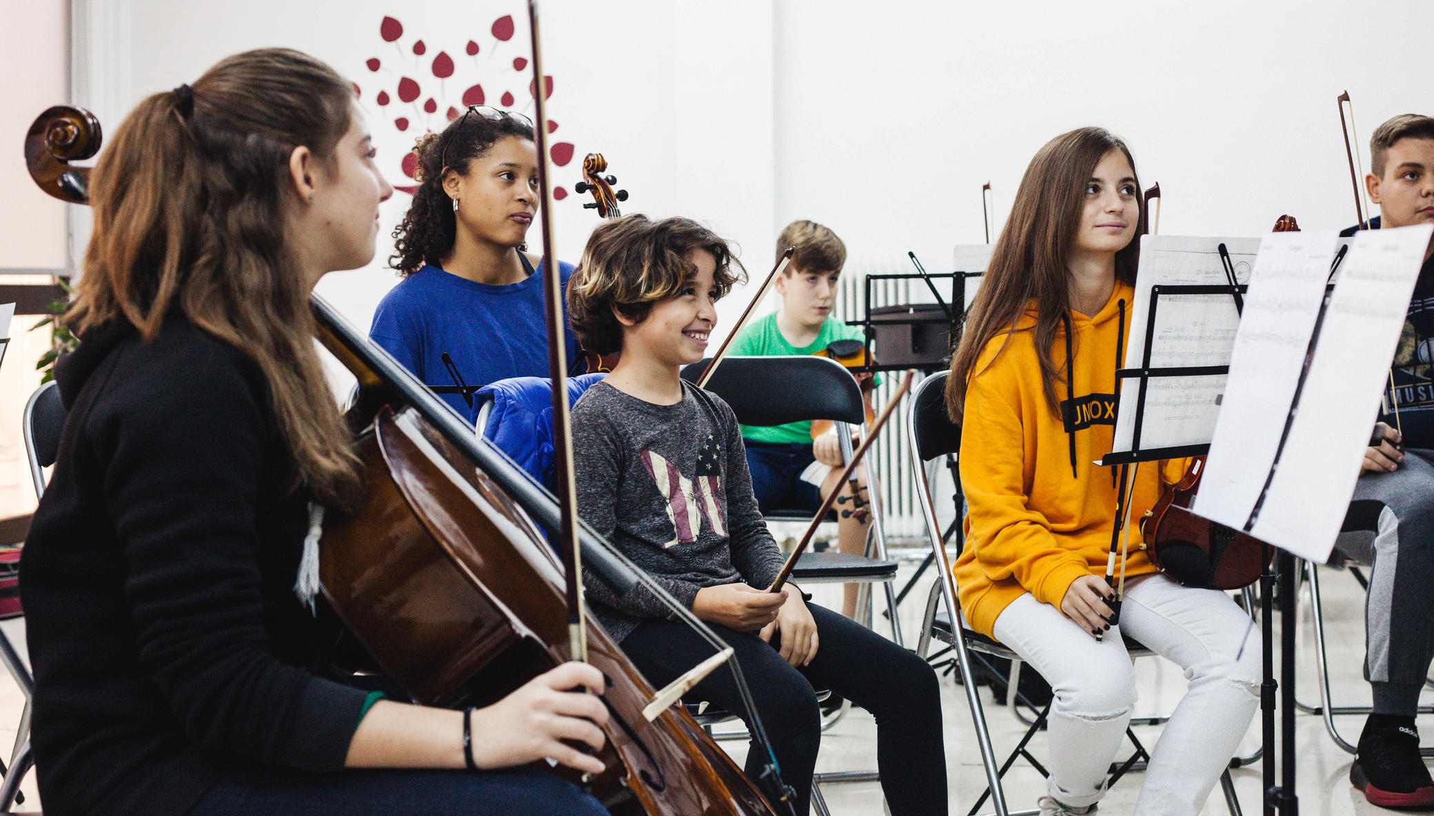 Inspire 1.500 children through music in Greece
