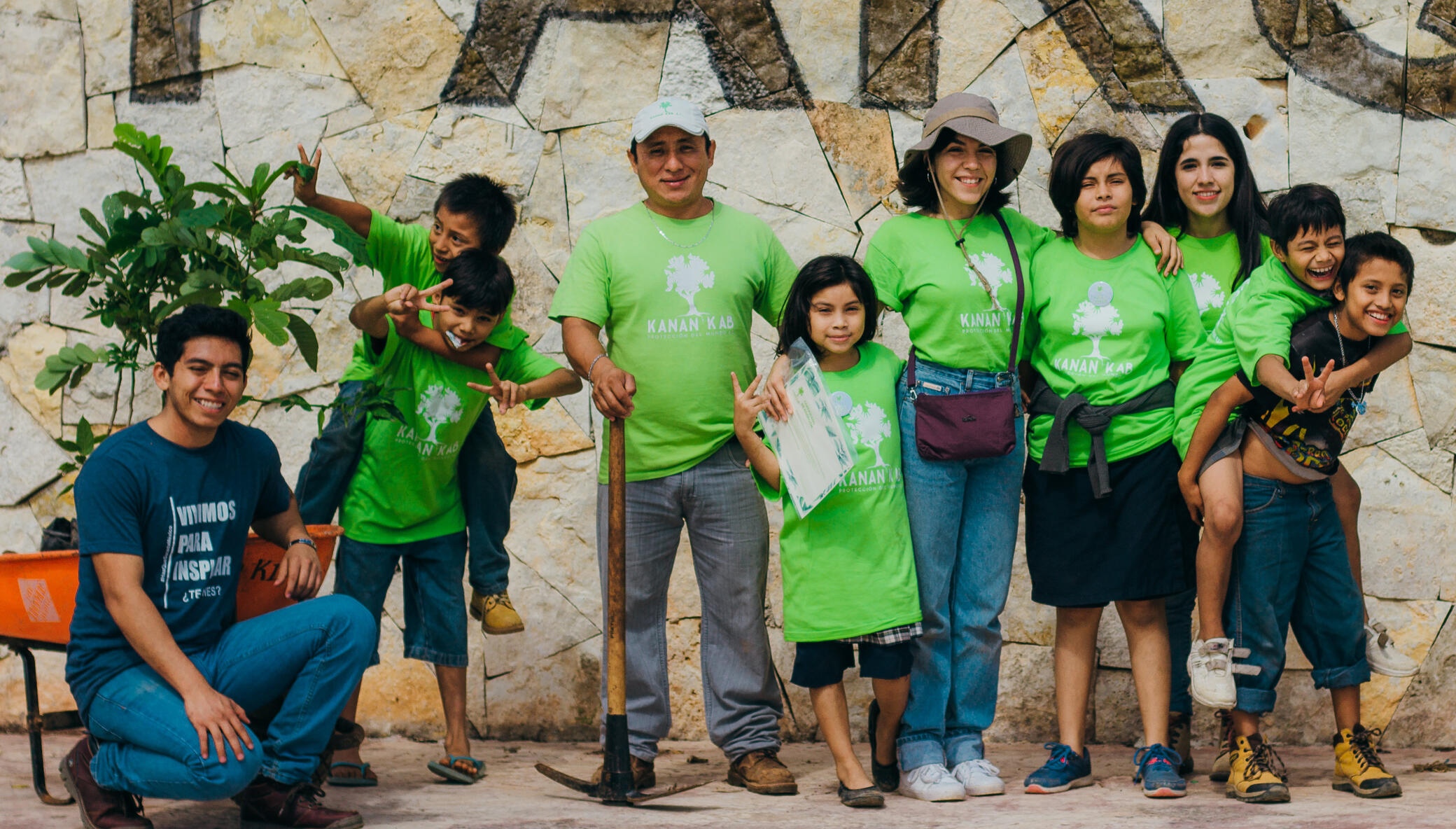 Support Foster to plant 4000 trees in Merida!